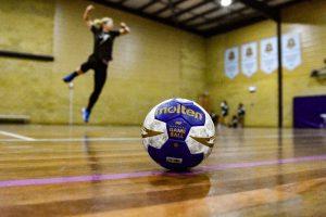 Jumping handball
